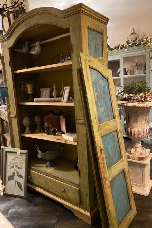armadio originale antico